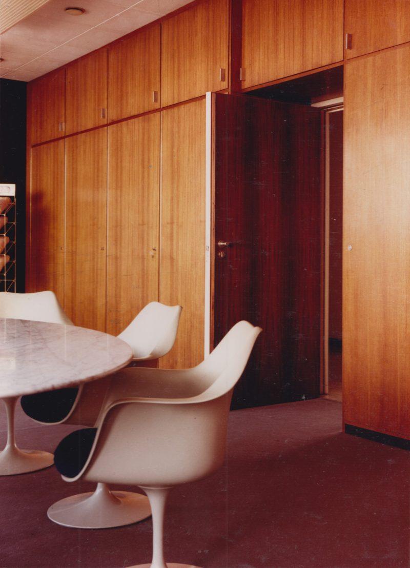 Tulip tafel en stoel Eero Saarinen