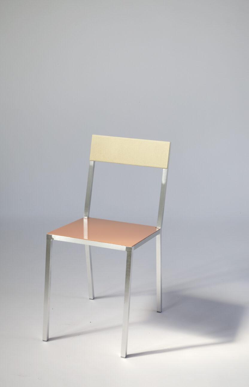 MullerVanSeveren_Chair2-messing_roze