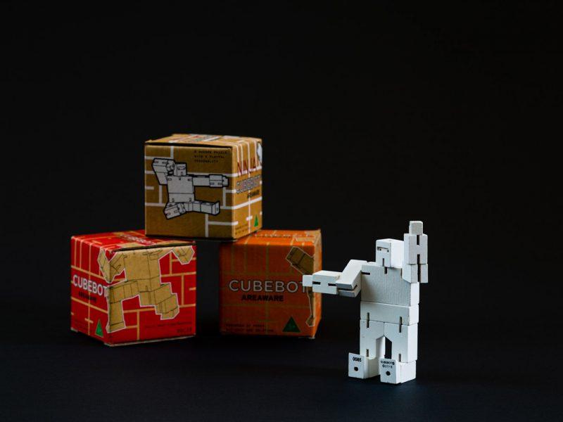 Hello Robot 003