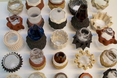 UNFOLD. The transaction project, blown glass in printed ceramics